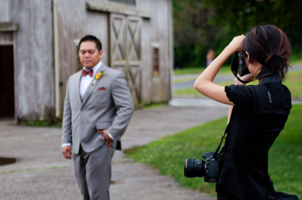 female-wedding-photographer-outfit-1