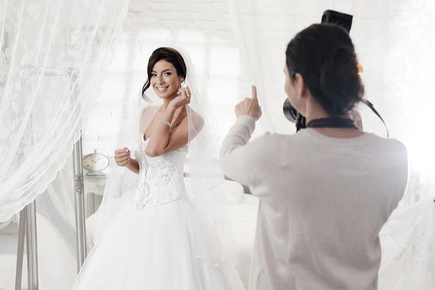 Female Wedding Photographer Wear