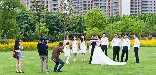 Wedding Photographers Need Second Shooters