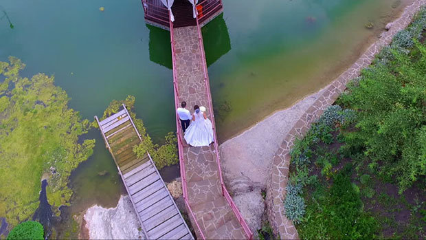 As You Can See In The Above Image Couple Is Walking On A Bridge Connecting Venue Water It Looks Mesmerizing And No Camera Capture This