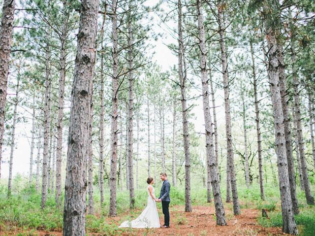 wide angle wedding pose for wedding photographers